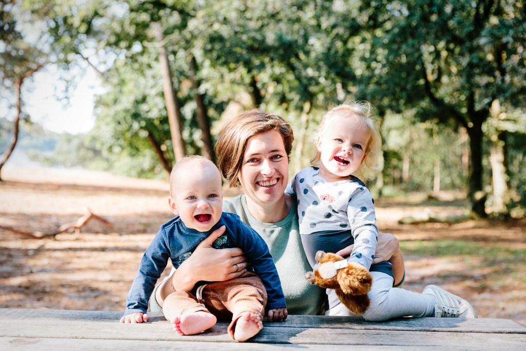 Anke Verweijen met zoon Timo en dochter Robin.   © Kliknieuws Veghel