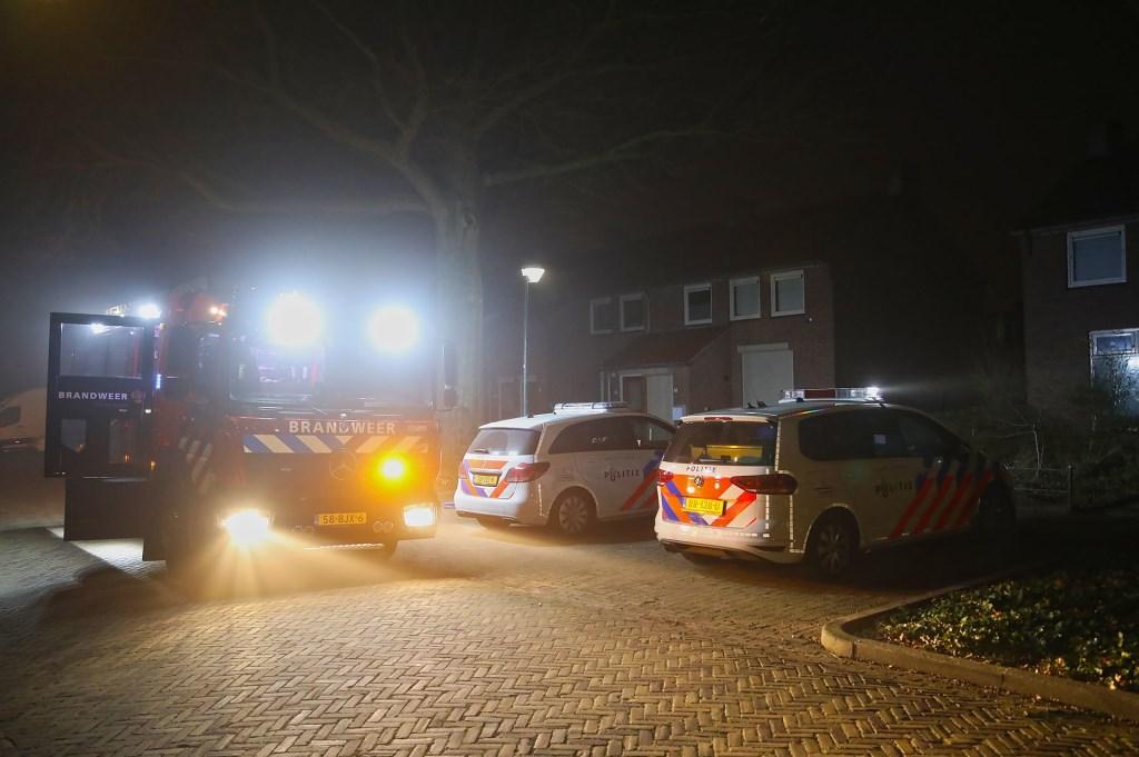 De brandweer in de Zwaluwstraat. (Foto: Gabor Heeres / Foto Mallo)  © 112 Brabantnieuws