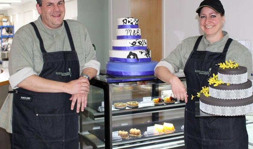 Marco Reijnen en Esther Faasen in hun zaak Soulutions Pastry & Desserts in Cuijk. (foto en tekst: Aileen van Tilburg)