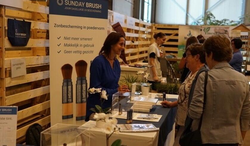 Nicole Vermeer en Sanne Mathijssen deden in september ook mee aan de Gezondheidsbeurs in Cuijk.