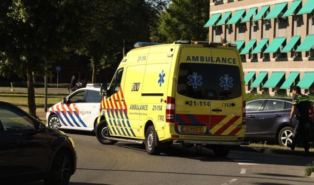 Gewonde bij ongeval op rotonde Euterpelaan. (Foto: Gabor Heeres / Foto Mallo)  © Kliknieuws Oss