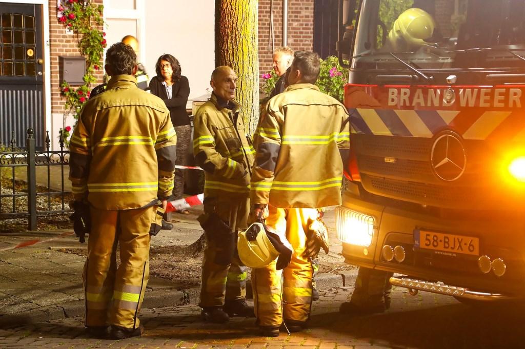 Autobrand in Ussenstraat. (Foto: Gabor Heeres / Foto Mallo)  © 112 Brabantnieuws
