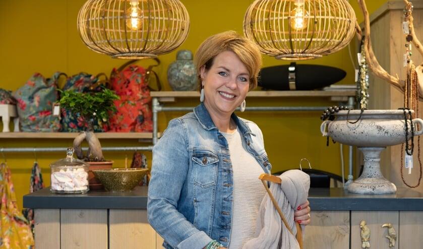 Eigenaresse Evelyn Luken in haar winkel