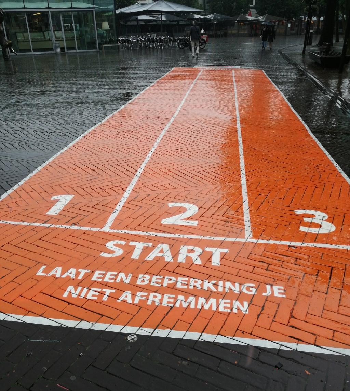 De tijdelijke atletiekbaan.  © Kliknieuws Oss