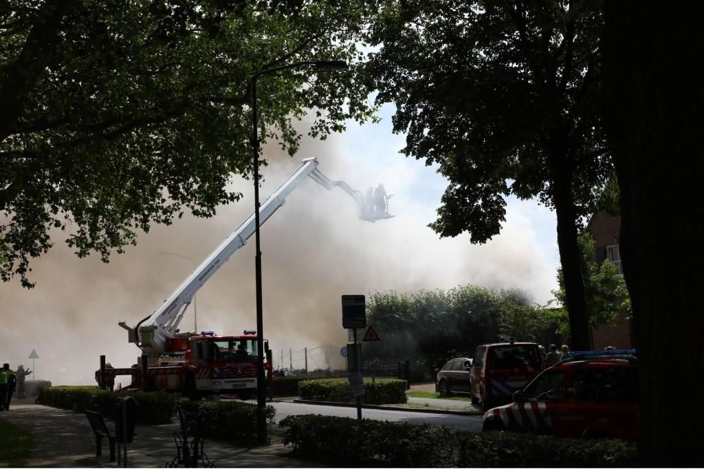 Grote brand in Berghem. (Foto: Charles Mallo / Foto Mallo)  © 112 Brabantnieuws