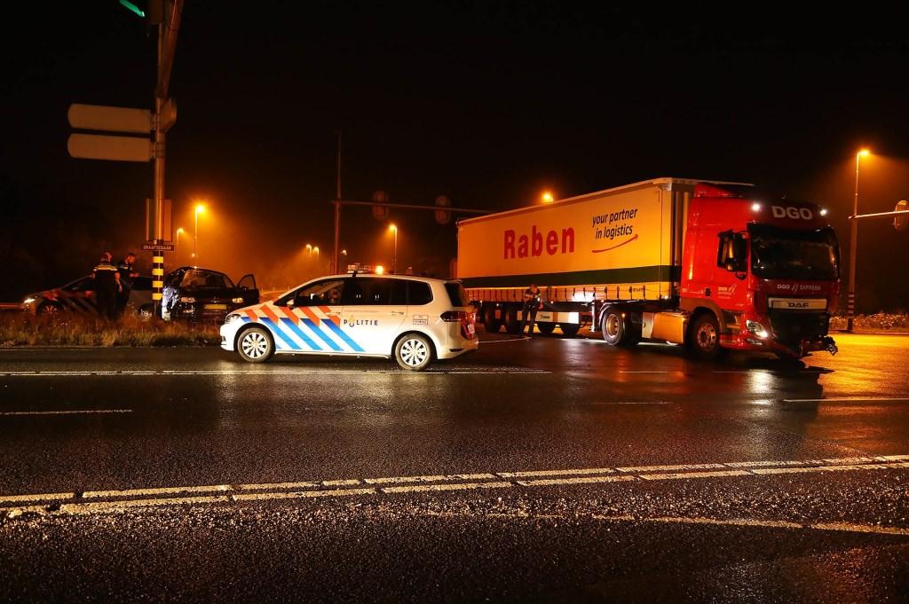 Automobilist heeft engeltje op zijn schouder bij ongeval op N329. (Foto: Gabor Heeres / Foto Mallo)  © 112 Brabantnieuws