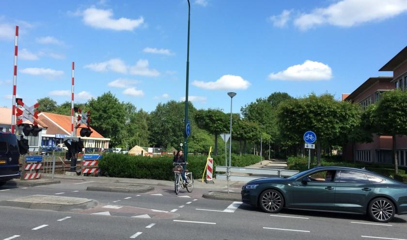 De oversteekplaats voor fietsers vanaf het Schilderspad in Boxmeer.