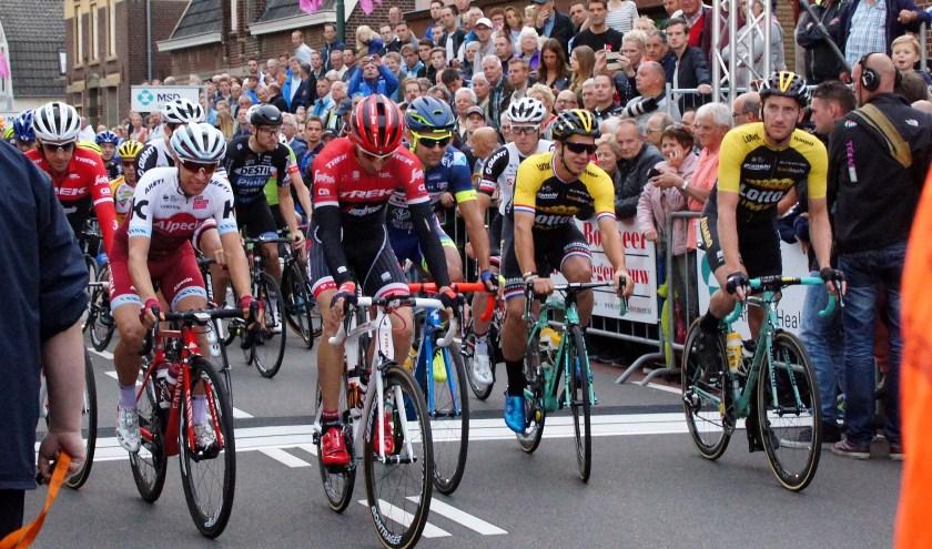 Daags na de Tour verwelkomt negen van de elf Nederlandse Tour de France-deelnemers.