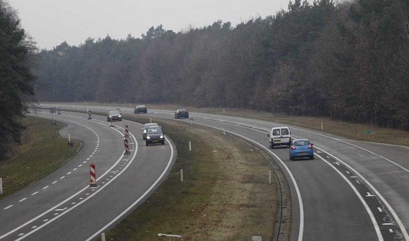 Voorlopig geen tolheffing voor vrachtauto's op de N271. (foto: SK-Media)