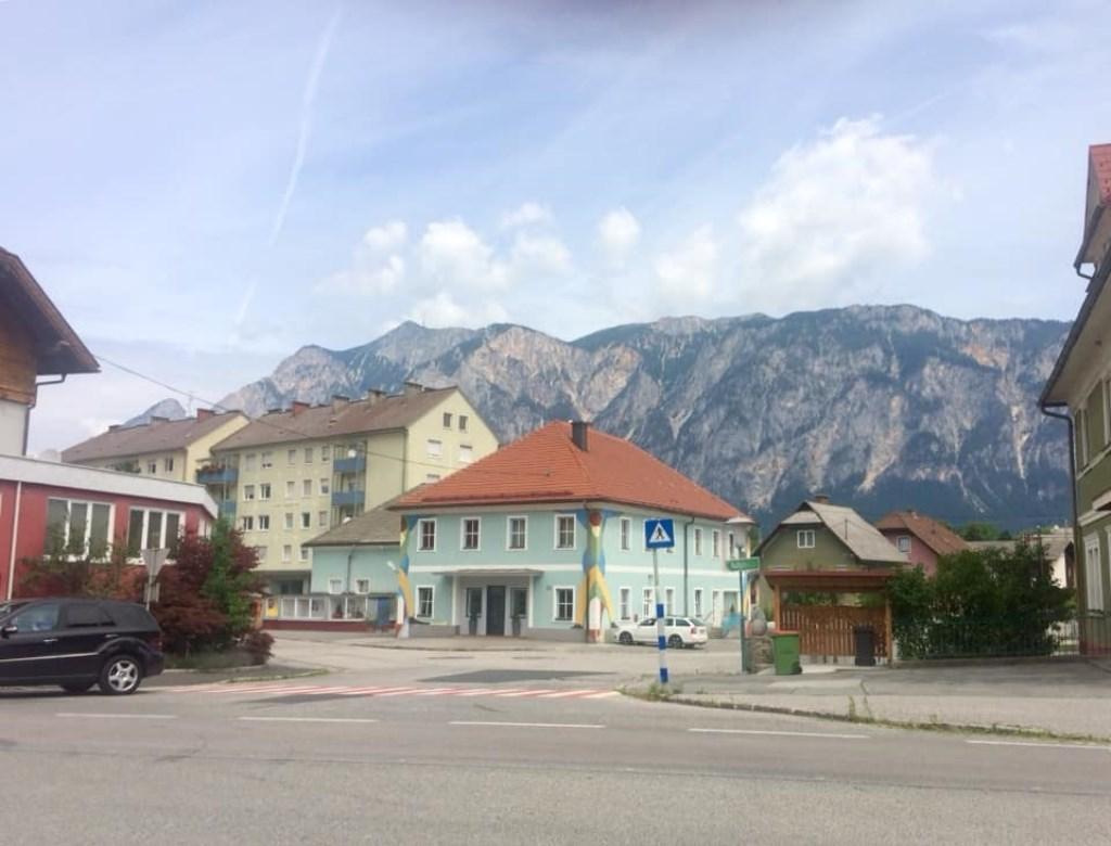 Marion van Damme was hier op het  drielandenpunt van Slovenië, Italië en Oostenrijk. © Kliknieuws Uden
