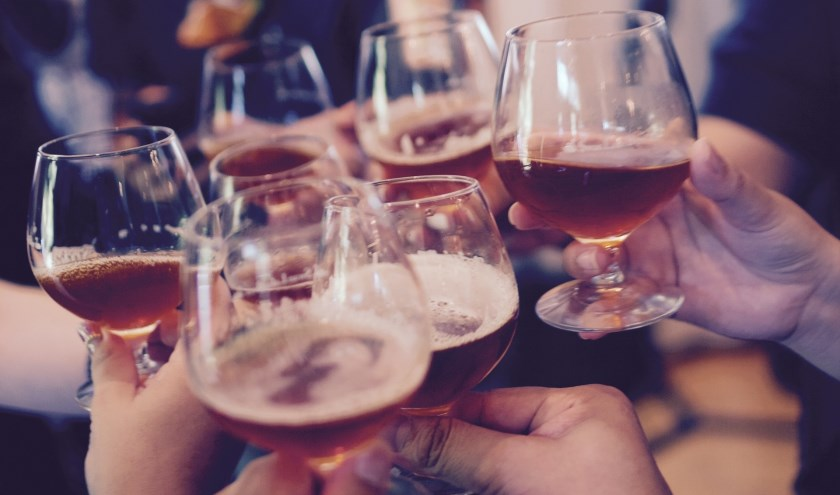 Er is onderzoek gedaan naar het alcoholgebruik onder volwassenen.