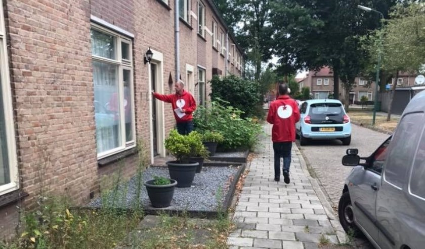 SP'ers langs de deuren in Cuijk-Noord.