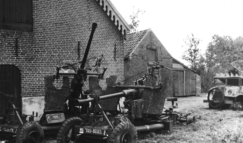 Geallieerd oorlogsmateriaal dat na 23 september op Duifhuis achterbleef.