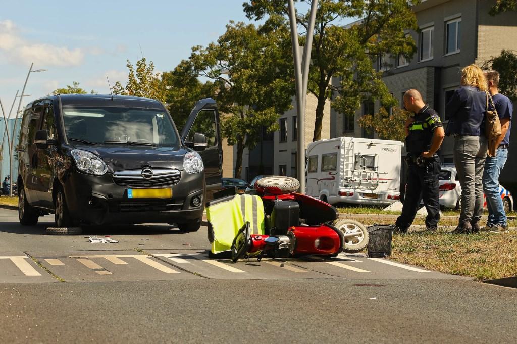 Bestuurder scootmobiel gewond bij ongeval in Oss. (Foto: Gabor Heeres / Foto Mallo) Foto: Gabor Heeres © 112 Brabantnieuws