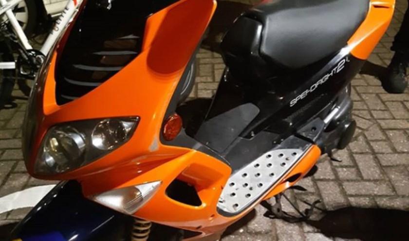De scooter. (Foto: Wijkagent Berghem)