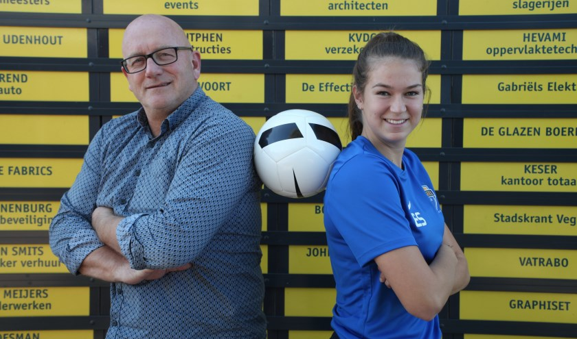 Jeugdvoorzitter Coen van Dijk en Esther Schoo (19).