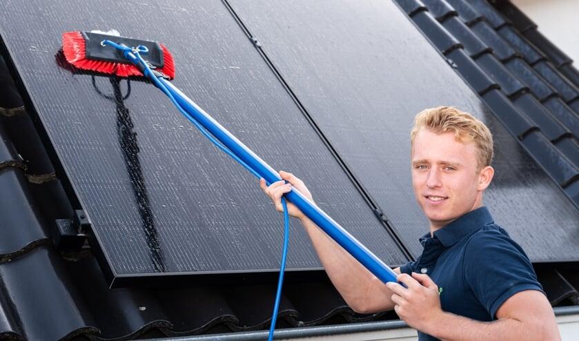 Nick van der Horst (20) is gestart met Solar Cleaning Brabant.