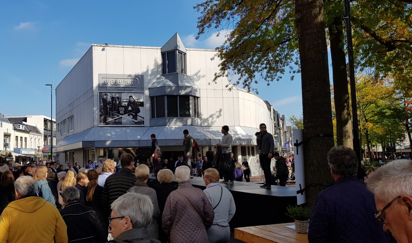 Modeshows in het Osse centrum.