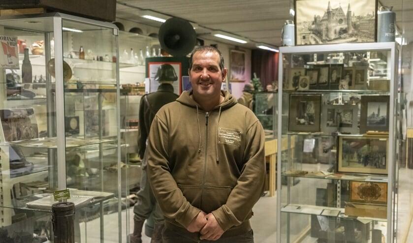 Tonnie Ebben uit Groeningen is aardappelteler en eigenaar van museum 'Van Postzegel Tot Tank'.