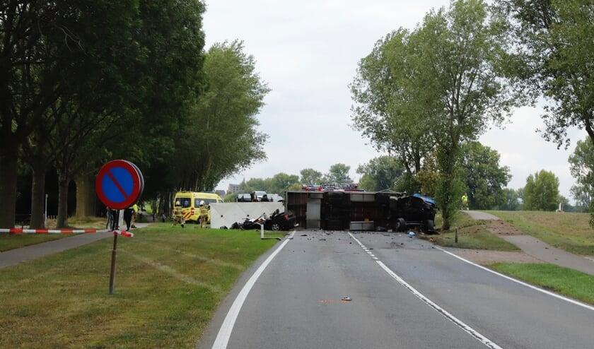 Dode en zwaargewonde bij ongeluk op de N321.