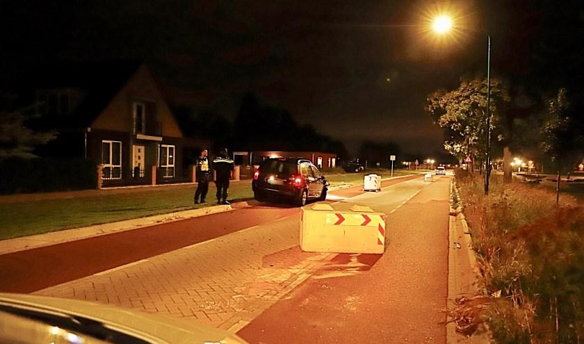 Automobilist ramt betonblok op Katwijkseweg in Cuijk.
