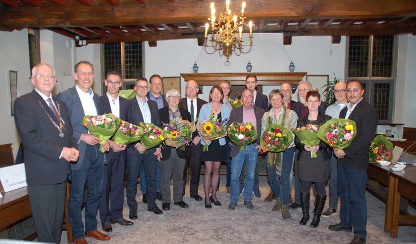 De gemeenteraad van Gennep in 'gelukkigere tijden' met burgemeester Peter de Koning (staand geheel links).