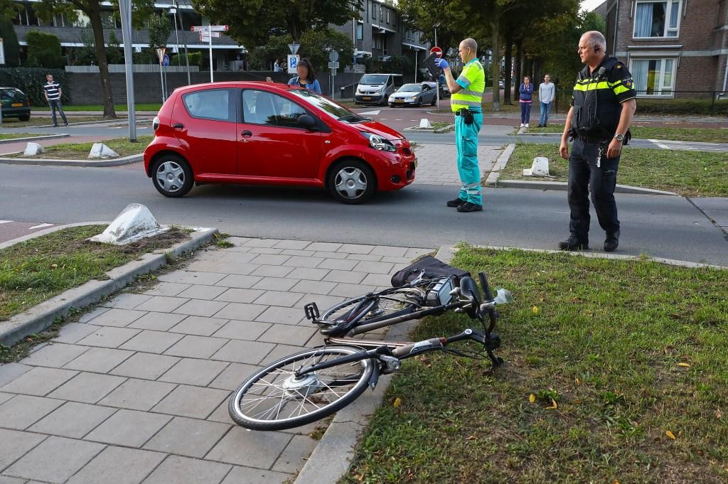 Opnieuw ongeval op kruising Wethouder van Eschstraat / Zonnebloemstraat. (Foto: Gabor Heeres / Foto Mallo)  © 112 Brabantnieuws