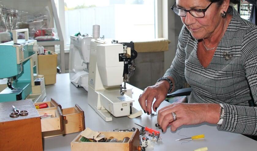 Marjo van Thiel, vrijwilliger bij Kringloopbedrijven Maasland.