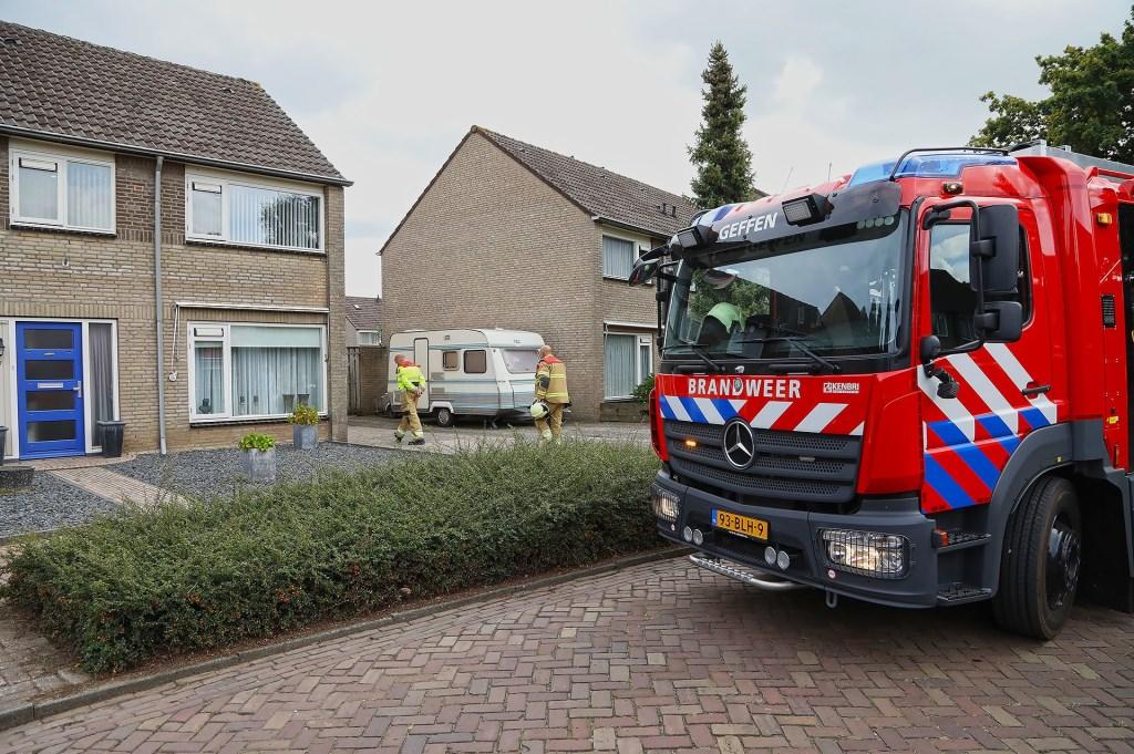 Brandweer opgeroepen voor brandje in Geffense tuin. (Foto: Gabor Heeres / Foto Mallo)  © 112 Brabantnieuws