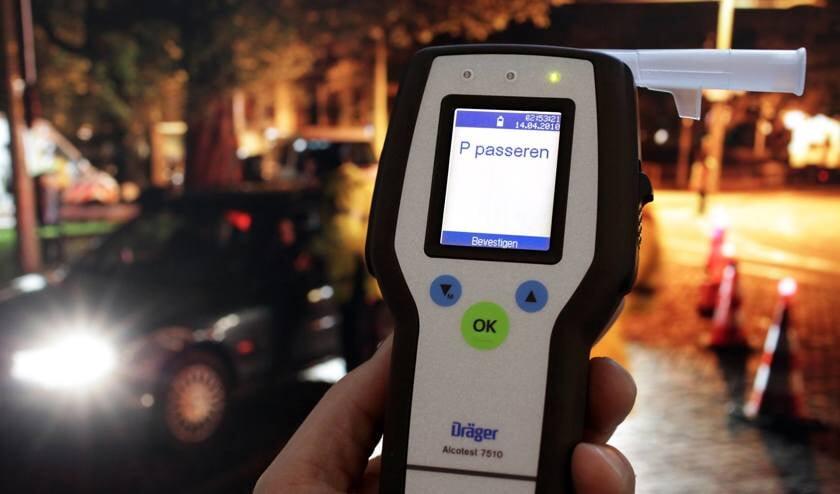 Bij een alcoholcontrole werd een dronken bestuurder aan de kant gezet.