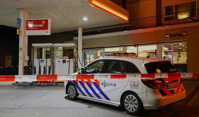 <p>Politie onderzoekt overval in Berghem. (Foto: Gabor Heeres, Foto Mallo)</p>