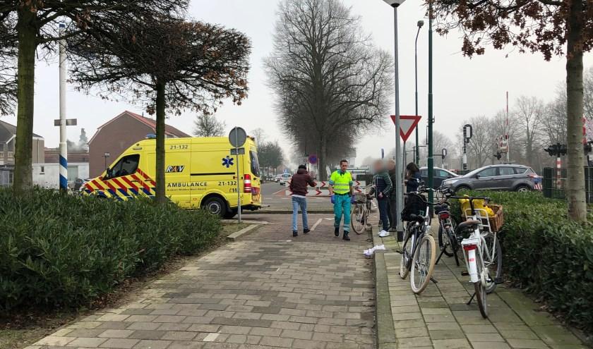 Op de Sint Anthonisweg in Boxmeer is een aanrijding geweest tussen een oudere man en een scholier.