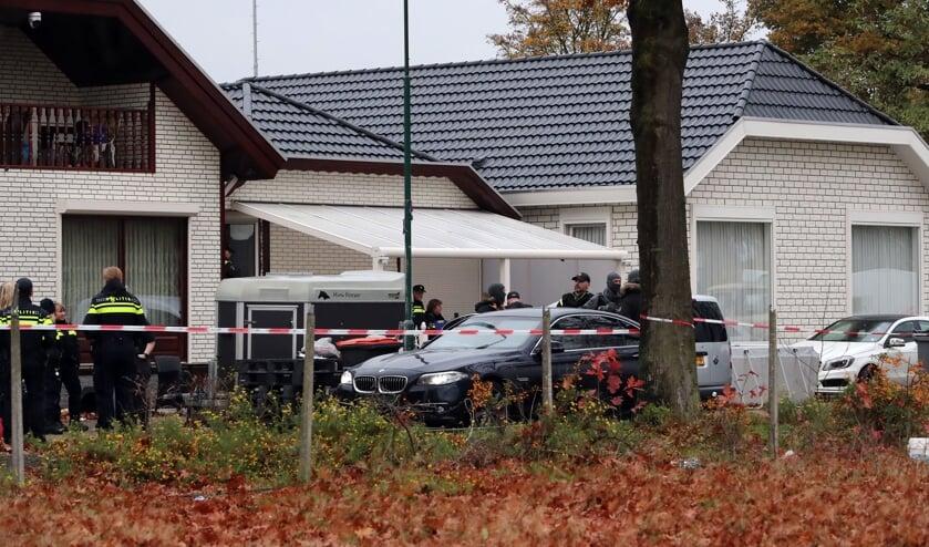Politieactie in Hoogheuvelstraat. (Foto: Hans van der Poel)