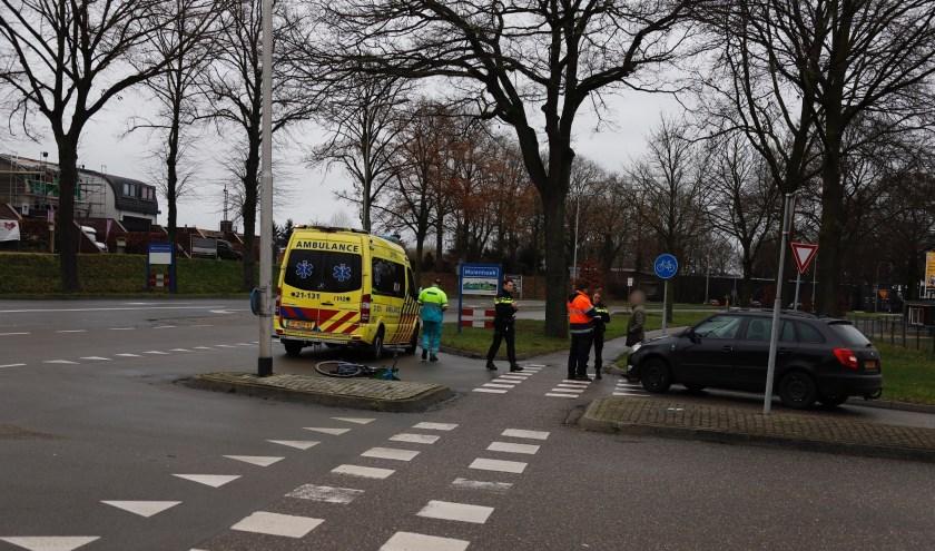 Fietser gewond bij aanrijding in Molenhoek.