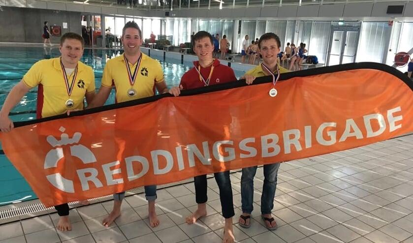 Frank van der Wijst, Jeffrey van der Putten, Jasper Kop en Niels Kop van de Osse Reddingsbrigade.