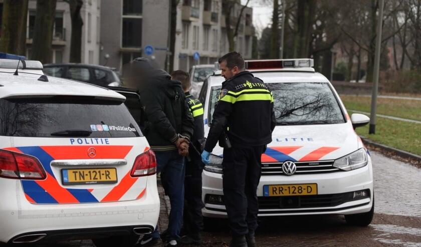Arrestatie in Zwaluwstraat na poging tot inbraak. (Foto: Gabor Heeres, Foto Mallo)