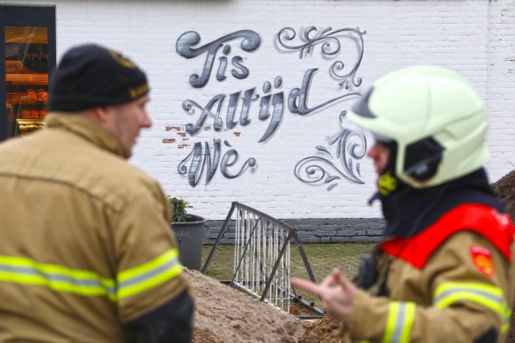 Brandweer opgeroepen voor gaslek in Braakstraat. (Foto: Gabor Heeres, Foto Mallo)  © Kliknieuws Oss
