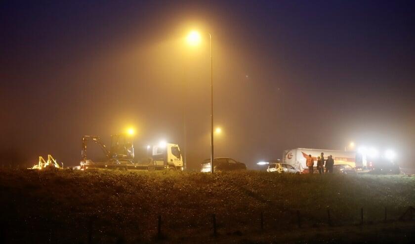 Drie auto's botsen op elkaar bij afrit Cuijk op A73