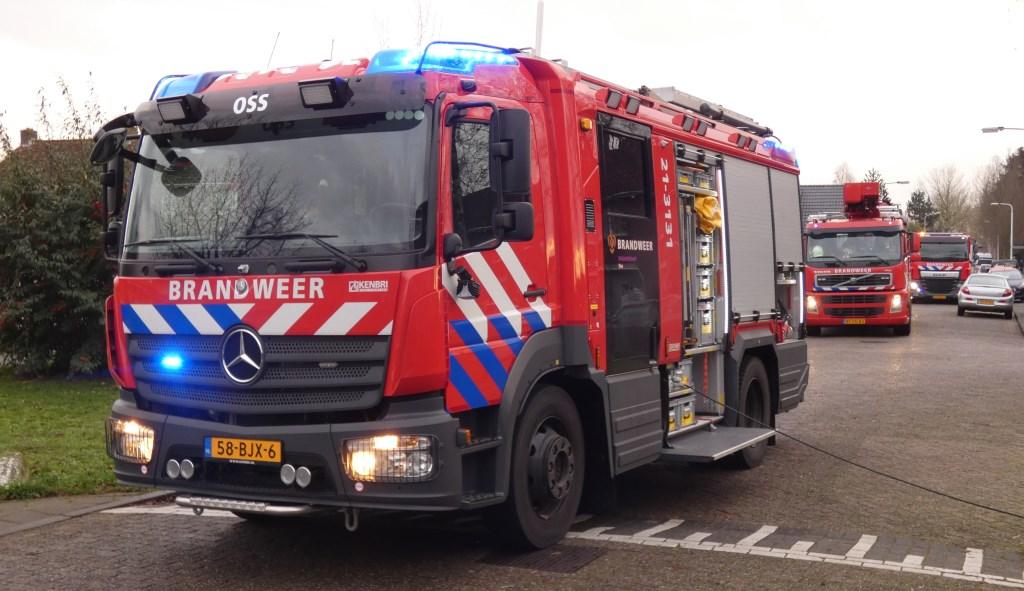 Brandweer in de Schadewijkstraat. (Foto: Thomas)  © Kliknieuws Oss