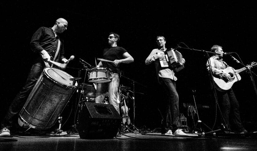 The Simon & Garfunkel Revival Band & Strings.