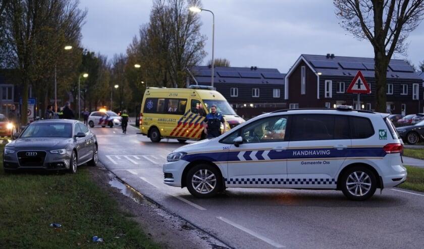 Fietser gewond bij ongeval op Macharenseweg. (Foto: Gabor Heeres, Foto Mallo)