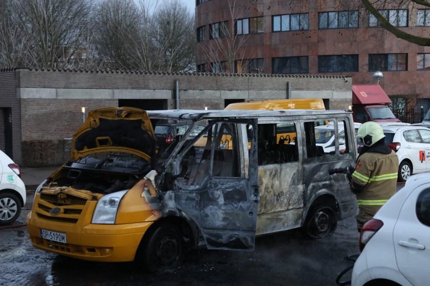 Arrestatie na autobrand in Oss. (Foto: Gabor Heeres, Foto Mallo)
