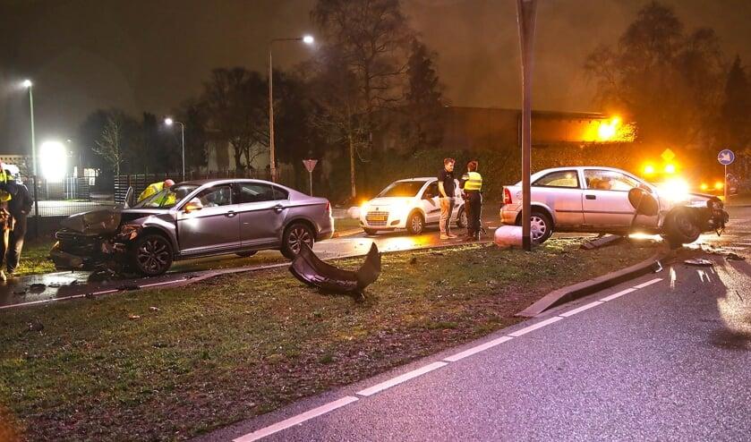 Opnieuw ongeval op beruchte Osse kruising. (Foto: Gabor Heeres, Foto Mallo)
