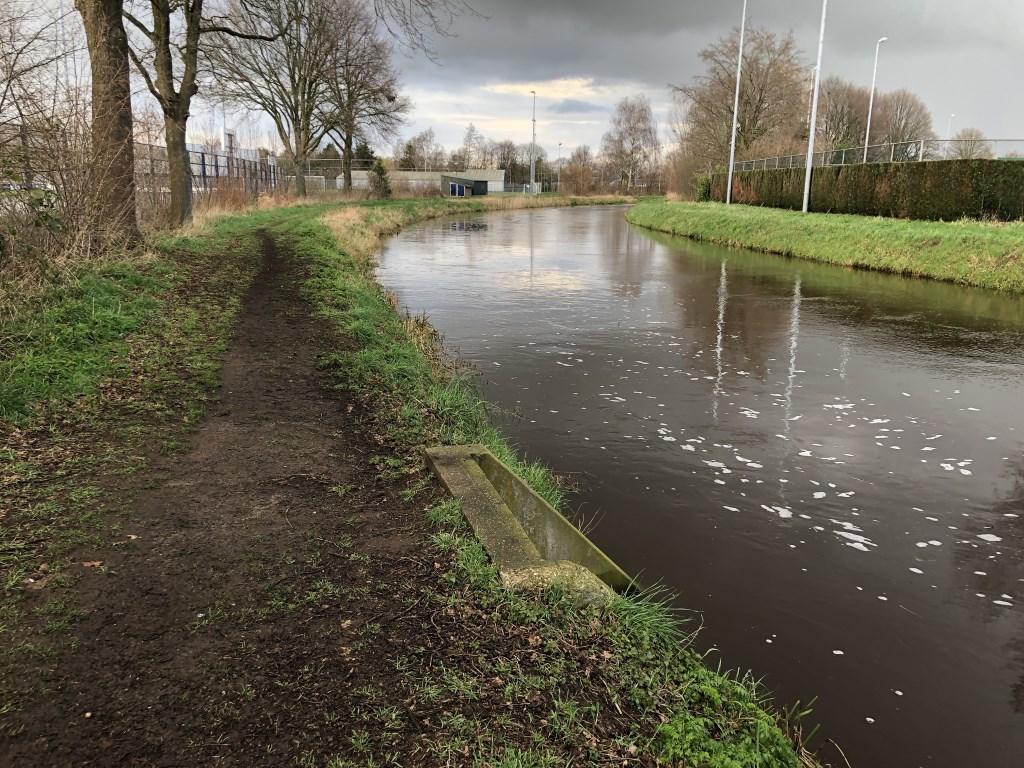 Hoog water in de Aa.  © Kliknieuws Veghel