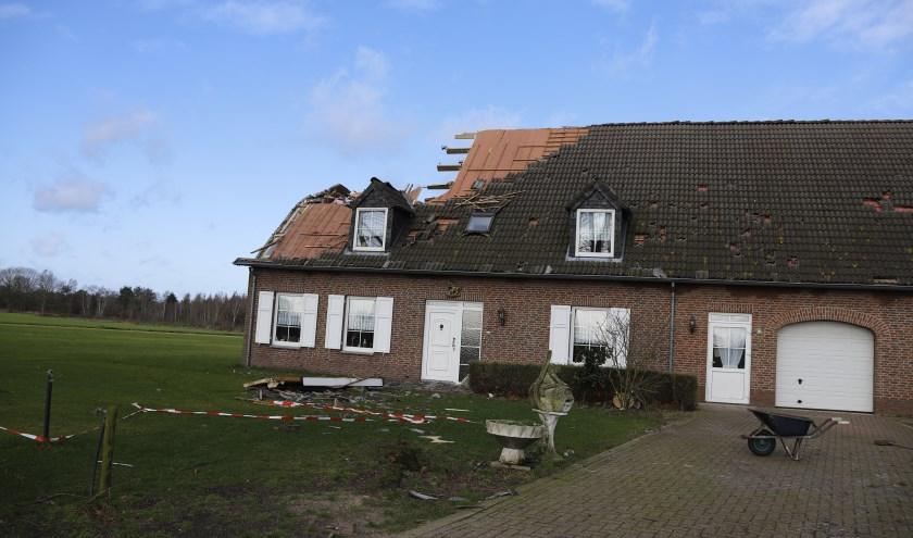 Flinke stormschade aan woning in Landhorst