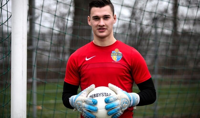 Joran van Zutphen is keeper van de JO 19-1 van Blauw Geel.