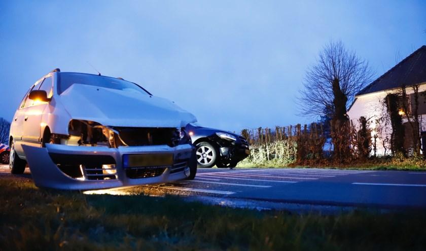 Flinke schade bij ongeluk in Overloon.