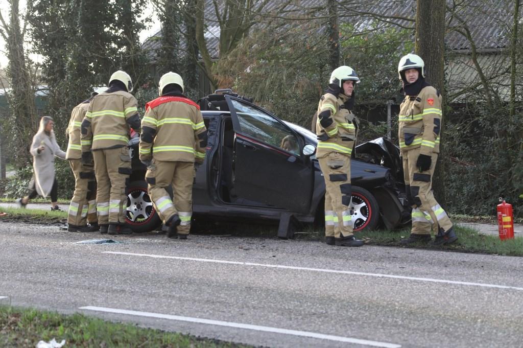Gewonden bij ongeval op kruising Berghemseweg - Koolwijksestraat. (Foto: Gabor Heeres, Foto Mallo)  © 112 Brabantnieuws