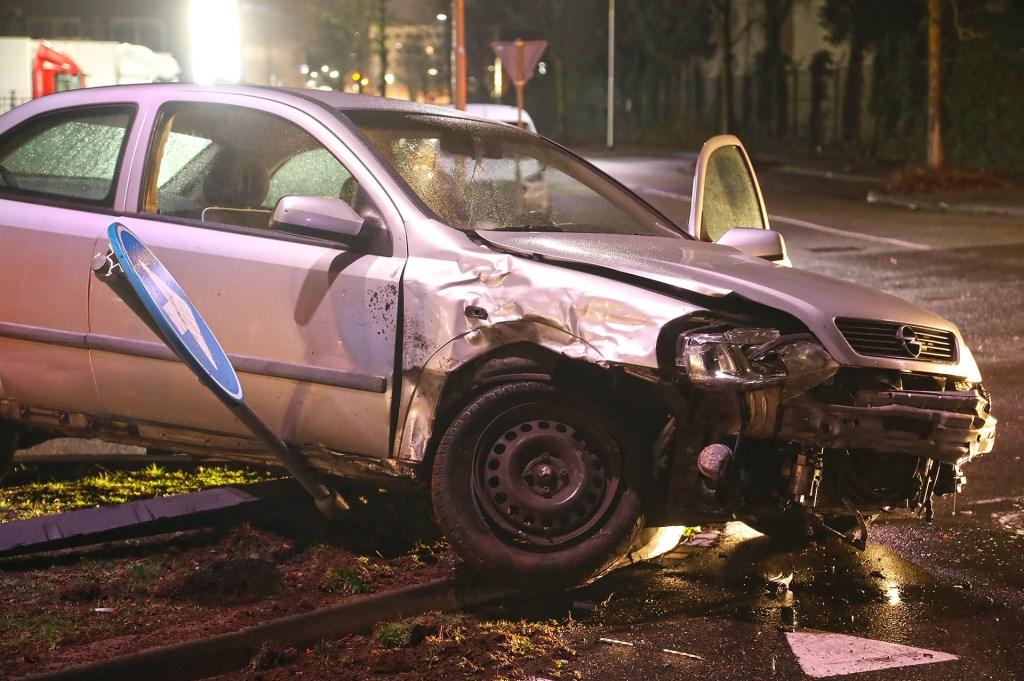Opnieuw ongeval op beruchte Osse kruising. (Foto: Gabor Heeres, Foto Mallo)  © 112 Brabantnieuws