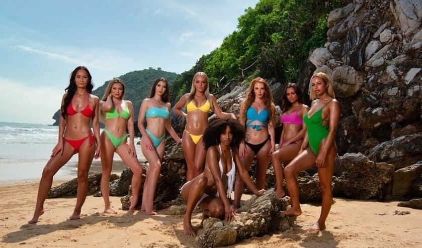 De verleidsters van Temptation Island. Romee in het geel. (RTL)